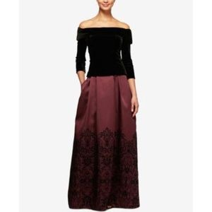 Off-The-Shoulder Dress Velvet Paisley Aubergine